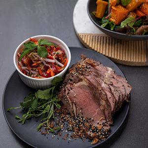 Cold Roast fillet of beef slices with a condiment of Korean Pickled Vegetables served with choice of 1 salads (min 10)
