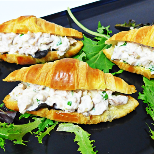 Mini Croissant filled with Chicken, Mayonnaise, Sour Cream and Shallots (min 5)