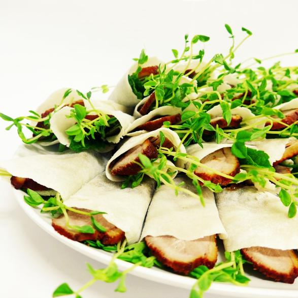 Duck Pancake with Hoi-sin Sauce (min 10)
