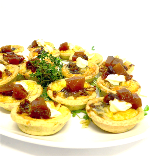 Blue cheese and caramelised onion tartlet (v) (min 10)