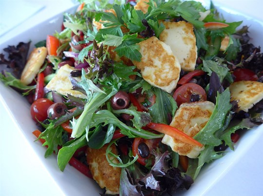 Noodle Box - Greek Salad with Beans &  Haloumi (v, g/f)