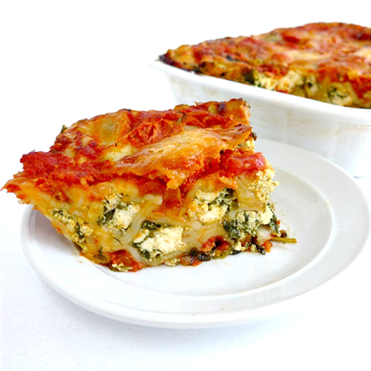 Cannelloni - Spinach & Ricotta served hot and 1 salad