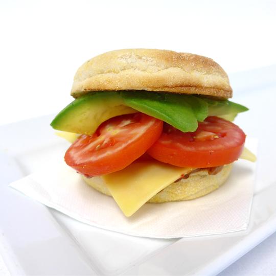 English Muffin: Tasty cheese, avocado and fresh tomato (v)