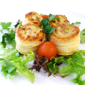 Chicken and mushroom vol au vent (min 10)