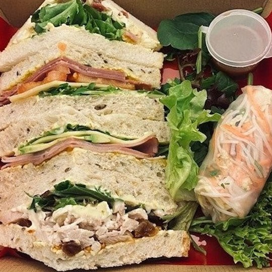 Gourmet Traditional Sandwich 4 Point + 1 Viet Rice Paper roll with dipping sauce (Window Box)