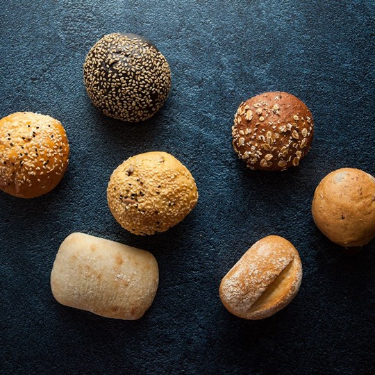 Assorted breads and butter (ex)