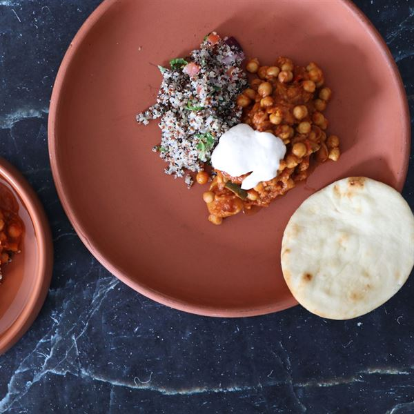 Moroccan chickpea braise, served with Tahani coconut yogurt, quinoa salad & Naan gf/df/v/vg (ex)