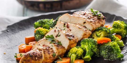 Roast chicken, roast potato, steamed vegetables and gravy - fresh (GF)