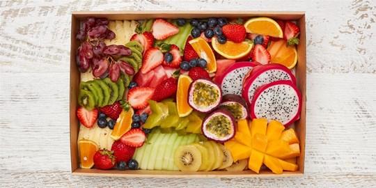 Seasonal fruit platter – Select one size