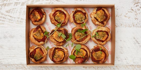 Large Bacon & Egg Breakfast Tart with Puff Pastry Box Collection (12 pieces - Room temperature)