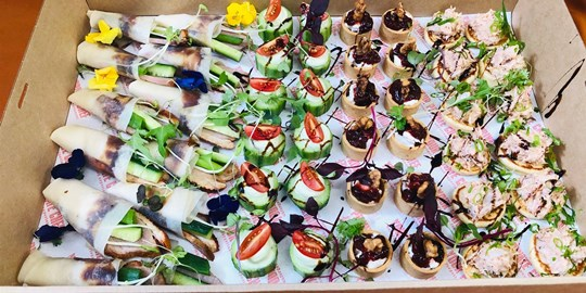 Platter - Cocktail Hour - Our favourite canapes in one box.  (48 pieces)