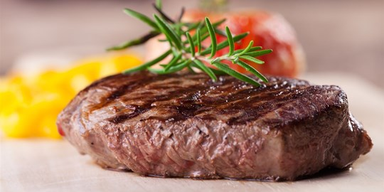 Grilled (200 gram) porterhouse steak, tuscan chat potato, steamed vegetables with red wine jus (450g) GF DF