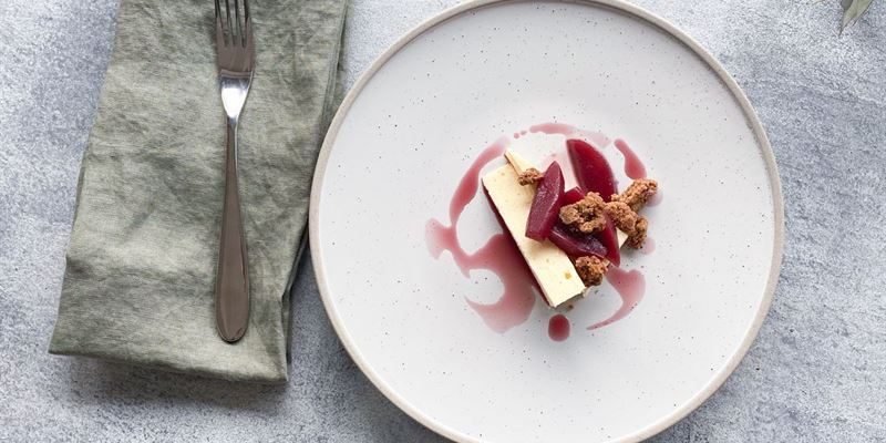 Baked Cheesecake & Poached Pears