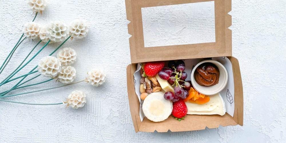 Mini Cheese + Fruit Box (V)