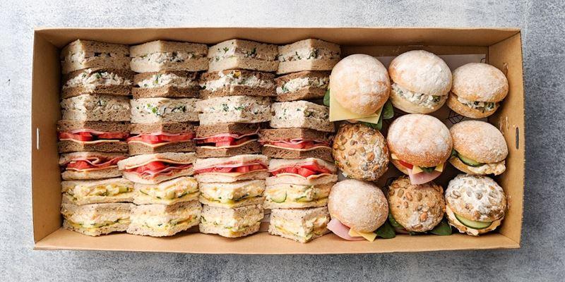Sandwiches + Rolls Box