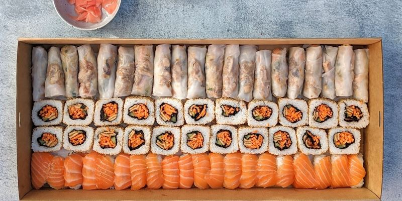 Sushi + Rice Paper Roll Box