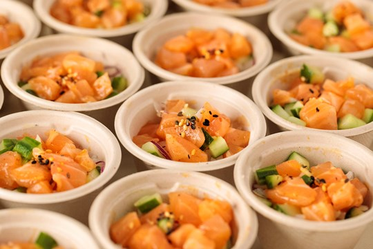 Mini Skuna Salmon, Cucumber & Red Onion Poke Bowl with Koshihikari Rice