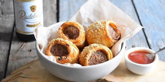 Sausage Rolls with tomato sauce (NF)
