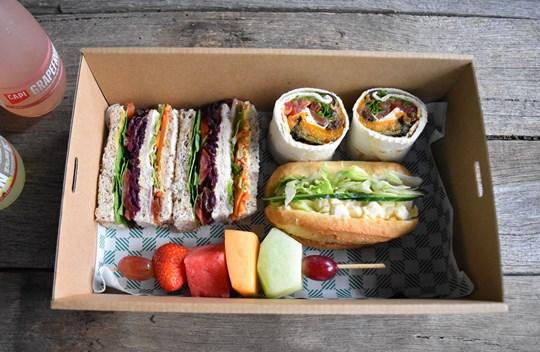 Sandwich Lunch Box 4 (AV, AD)