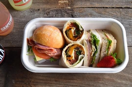 Sandwich Lunch Box 1 (AV, AD)