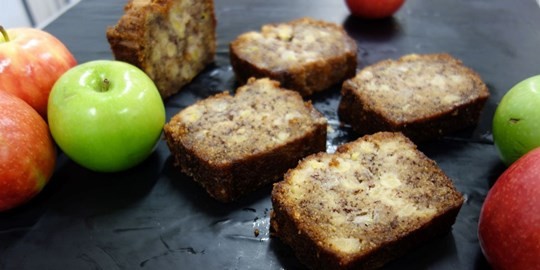 Spiced Apple and Banana Teacake (NF)