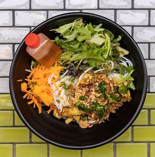 Medium Vermicelli Noodle Salad - Turmeric Chicken Breast (GF) (DF)