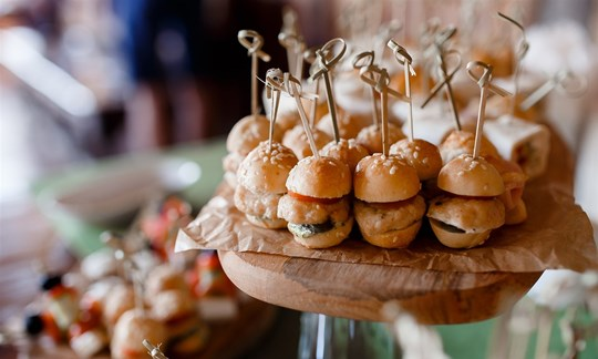 Deluxe canapé package - 8 piece package