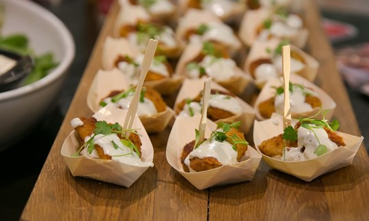 Deluxe canapé package - 10 piece package + 1 bowl food or taco