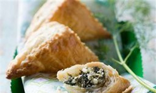 Spinach and ricotta puffs