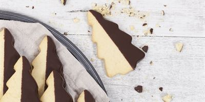 Christmas Choc Dipped Shortbread Cookie