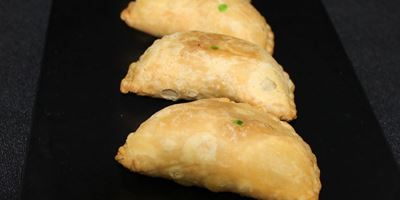 Vegetable Curry Puffs w/ a Sweet Chilli Sauce