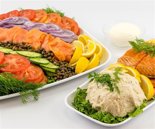 Smoked Salmon Presentation With Extras