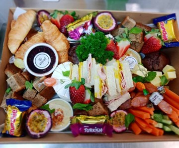 The Brunch Box - 3-4 People