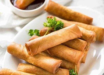 Vegetarian Cocktail Spring Rolls With Sweet Chilli Sauce - 50 Pieces