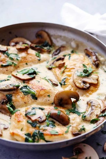 Creamy Chicken & Mushrooms with Steamed Rice - Large Tray (serves 4-6)