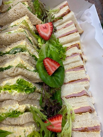 Traditional Point Sandwiches - 24 Pieces