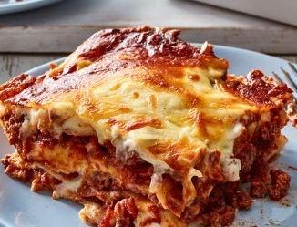 Beef Lasagne - Large Tray (serves 4-6)