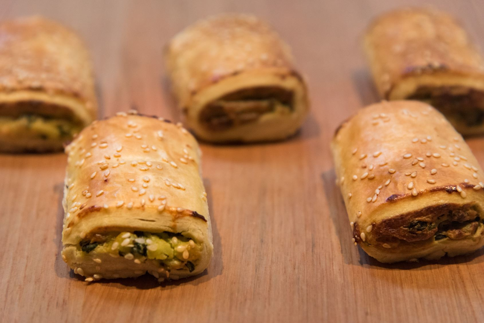 Mini Gourmet Spinach & Ricotta Rolls (V)