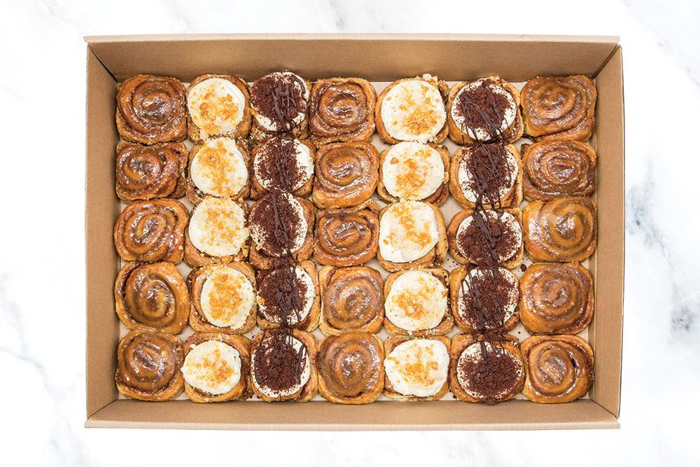 Large Sticky Cinnamon Bun Collection