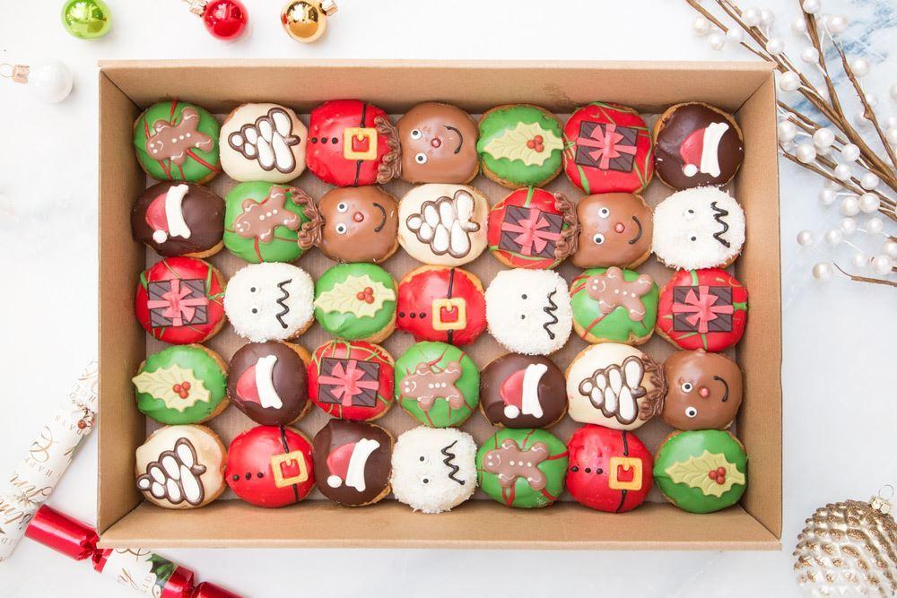 Medium Christmas in July Doughnut Collection